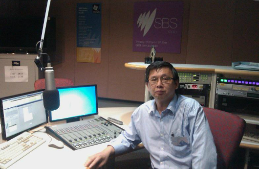Di Hong at the SBS radio studio